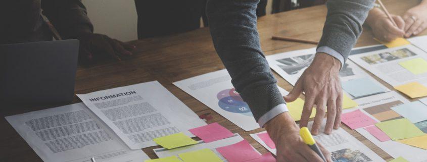 Coaching in Unternehmen unterstützt die Entwicklung von Fach- und Führungskräften